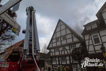 Feuerwehr rettet Kaffeerösterei in der Rintelner Brennerstraße