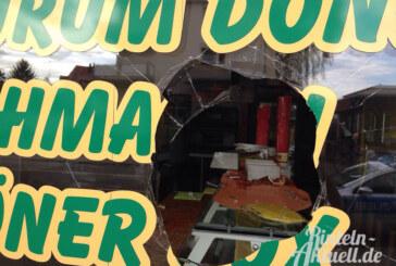Scheibe von Imbiss-Restaurant eingeschlagen