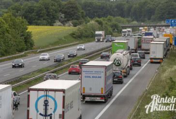 LKW-Unfall auf der A2 sorgt für 14 Kilometer Stau