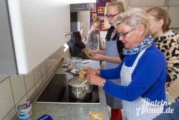 """""""Jung & Alt"""" kocht weiter und sucht Senioren"""