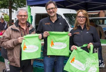 Grüne Taschen für den Rintelner Wochenmarkt