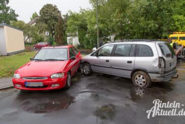 Waldkaterallee: Unfall mit 3 Autos