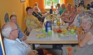 01-rintelnaktuell-cafe-knuepfpunkt-familienzentrum