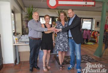 DRK-Kleidershop und Tafel am Rintelner Bahnhof eröffnet