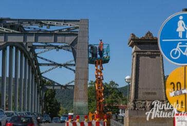 Blaues Band der Weser: Reparatur der Brückenbeleuchtung in luftiger Höhe