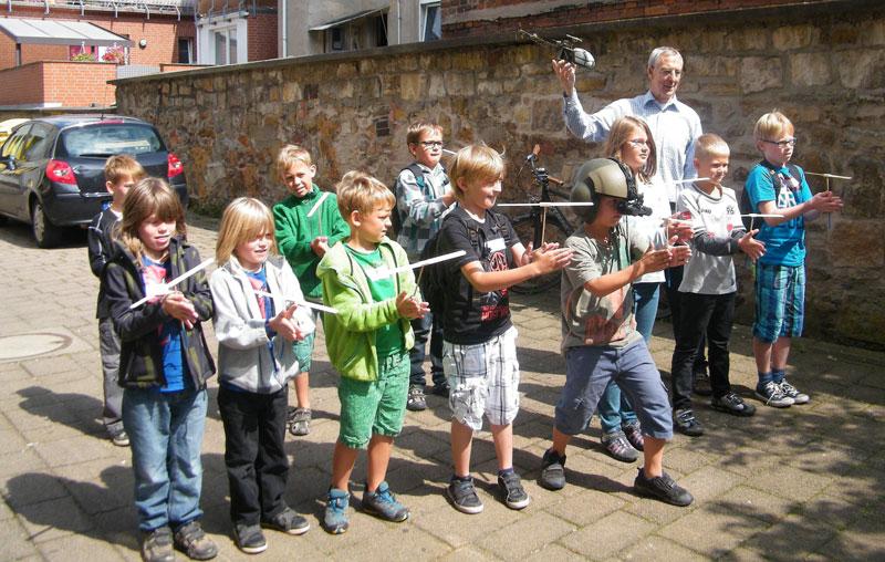 """Das Thema """"Drehflügler"""" begeisterte die Kinder auch im Vorjahr. (Foto: privat)"""