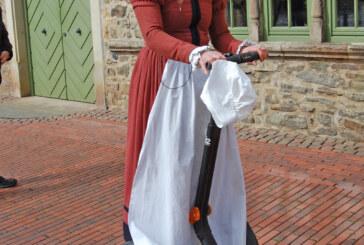 Historisches mit Hightech verbinden: Weserrenaissance-Stadtführungen durch Rinteln mit dem Segway-Roller
