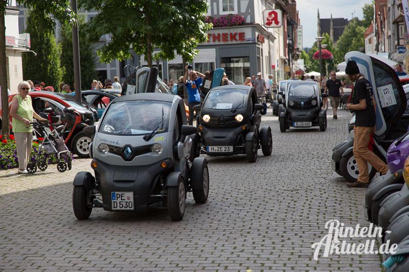 18 rintelnaktuell bundestwizytreffen twizycon renault elektromobilitaet strom autofahren marktplatz tesla twike i3 egolf metropolregion