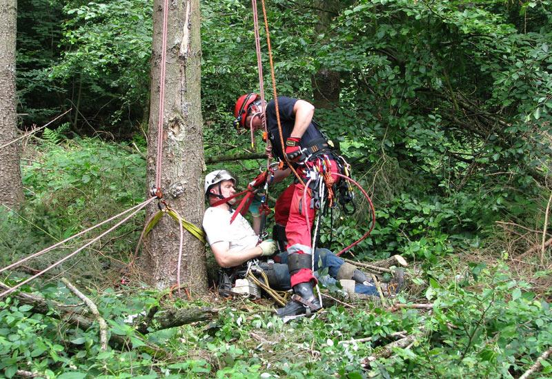 Verletzte Baumpfleger oder verunfallte Geocacher sind mögliche Einsatzszenarien für die Höhenretter.