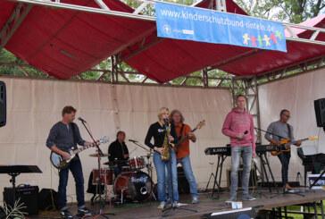 """Band """"SIMCA"""" spendet Gage von Sonnenblumenfest an Kinderschutzbund Rinteln"""