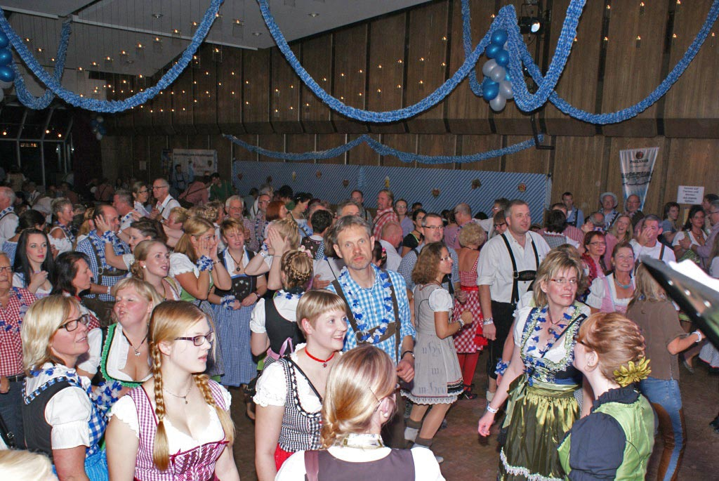 01-rintelnaktuell-oktoberfest-2015-brueckentorsaal-carnevalsverein