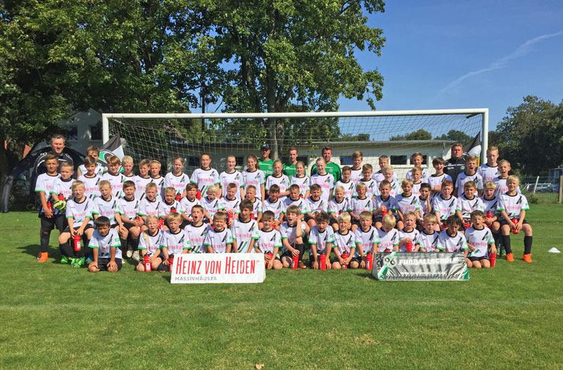 01-rintelnaktuell-scrinteln-hannover96-fussballschule-kicker-nachwuchs-bundesliga-ball-elfmeter-training