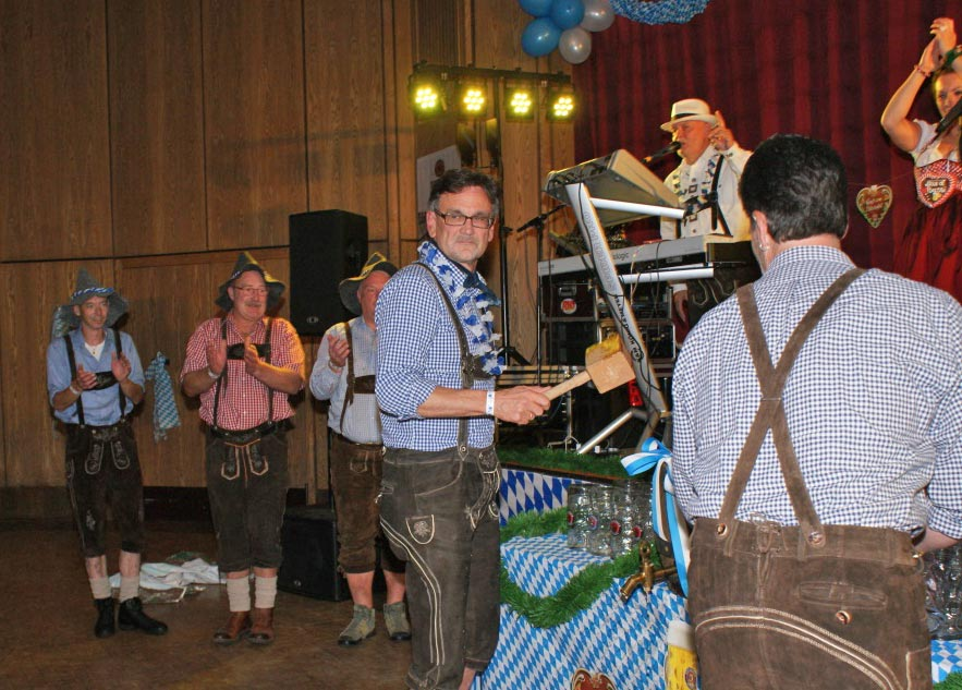 03-rintelnaktuell-oktoberfest-2015-brueckentorsaal-carnevalsverein