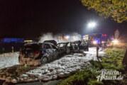 Unfall auf der Extertalstraße: Zwei Autos ausgebrannt