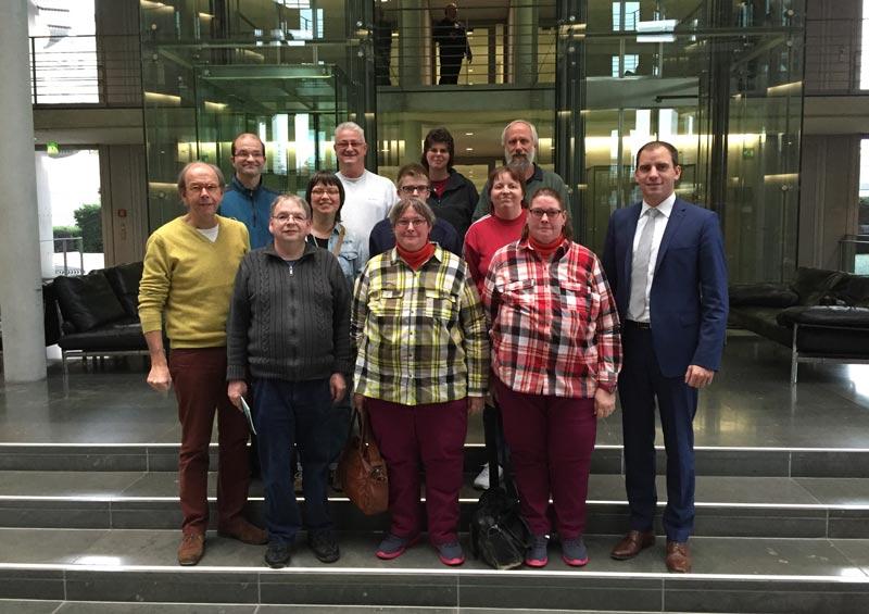 Der Bundestagsabgeordnete Maik Beermann (CDU, ganz rechts im Bild) begrüßte den Besuch aus Schaumburg. (Foto: privat)