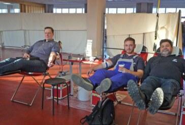 DRK erfreut: 41 Blutspender bei Stüken