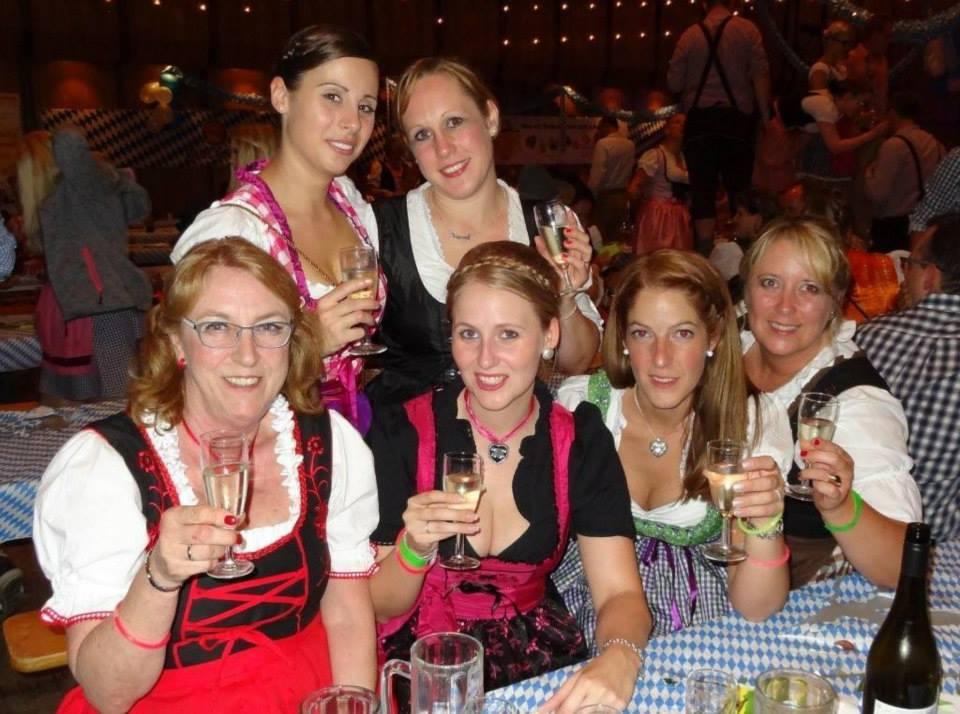 01-rintelnaktuell-oktoberfest-carnevalsverein-brueckentorsaal-wiesn-feier-fete-rio-musik-bier