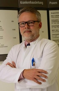 02-rintelnaktuell-dr-luedemann-krankenhaus-chefarzt-neurologie