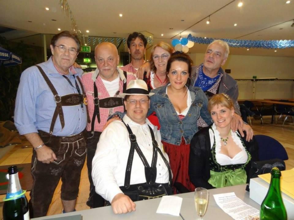 02-rintelnaktuell-oktoberfest-carnevalsverein-brueckentorsaal-wiesn-feier-fete-rio-musik-bier