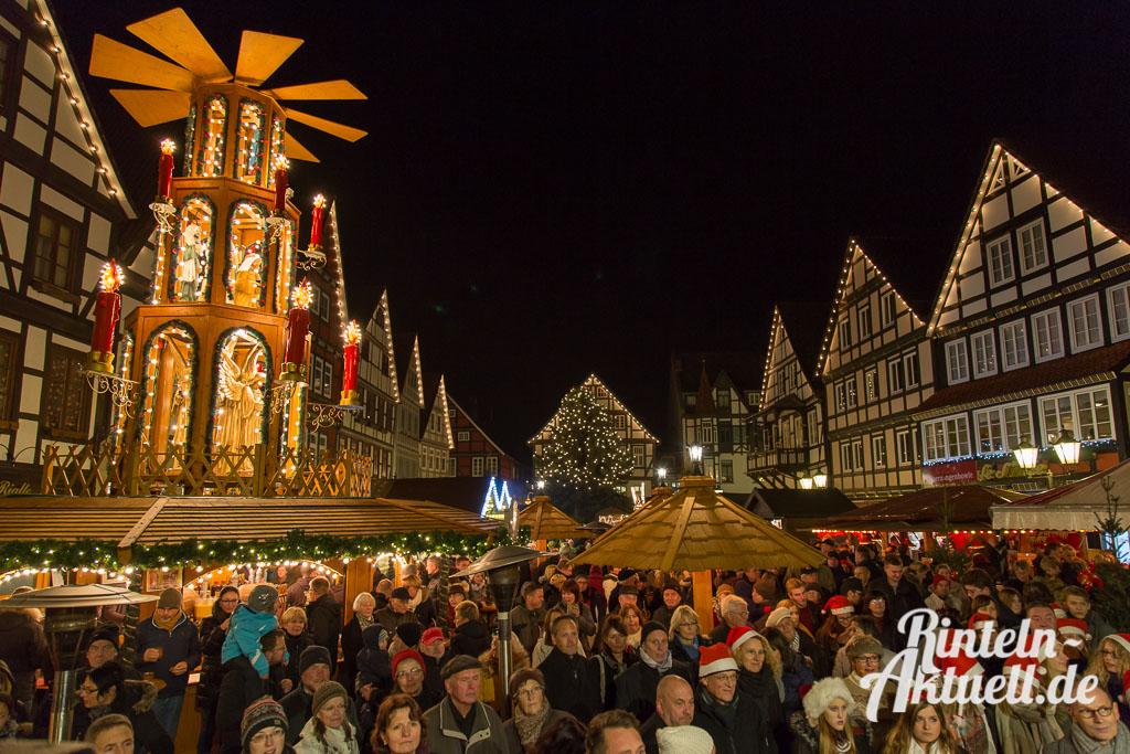 04-rintelnaktuell-weihnachtsmarkt-adventszauber-eroeffnung-2014