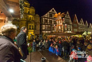Froh und munter: Rintelner Adventszauber 2015 feierlich eröffnet