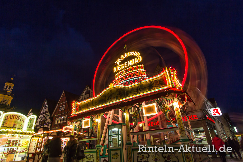 61-rintelnaktuell-maimesse-2014-karussel-buden-riesenrad-fahren-spass-familie