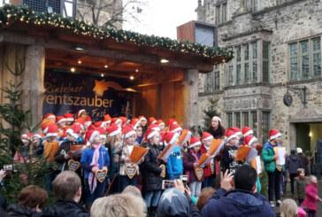 """""""Schneeflöckchen, Weißröckchen"""": Chor der Grundschule Süd mit Weihnachtsmarkt-Auftritt"""