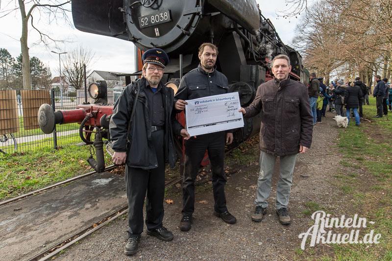 01 rintelnaktuell dampfeisenbahn lokomotive else 528038 spendenuebergabe weserbergland zug