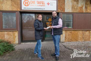 """Bauer Giese überreicht Spende aus Laugenherz-Aktion """"Ein Herz für Rinteln"""" an die Tafel"""