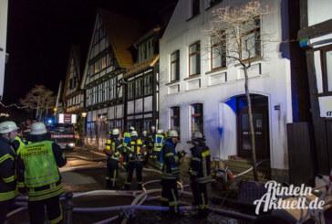 Feuerwehr löscht Heizungsbrand in der Bäckerstraße