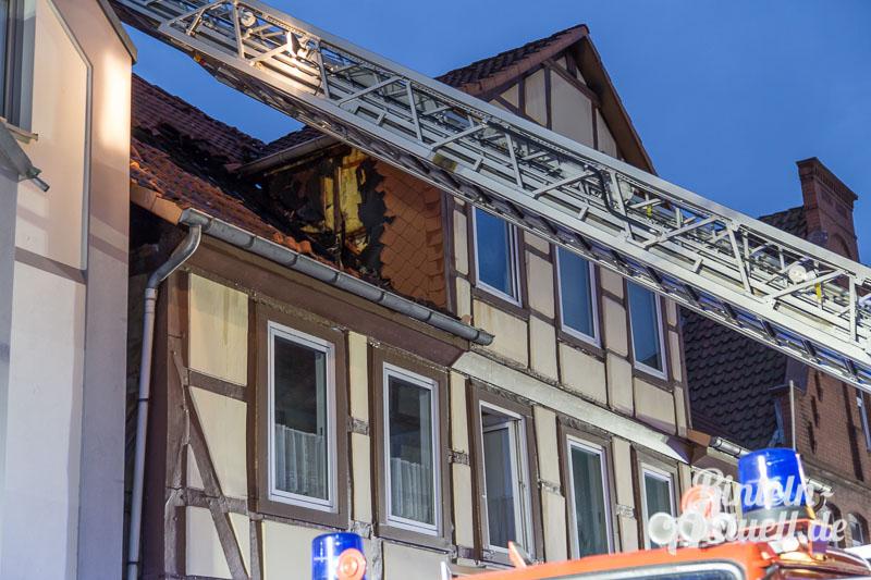 04 rintelnaktuell brand baeckerstrasse feuerwehreinsatz altstadt
