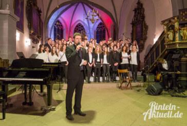 Schüler musizieren: Weihnachtskonzert des Ernestinums in St. Nikolai