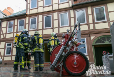 Bäckerstraße: Passanten bemerken Rauchentwicklung und rufen die Feuerwehr