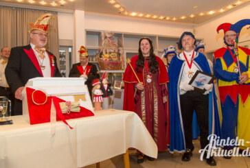 33 Jahre Rinteln Helau: Rintelner Carnevalsverein begrüßt neues Dreigestirn