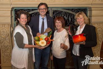 Kochen, Schnippeln und Kommunikation: Seniorenkochen der Rintelner Silvesterinitiative