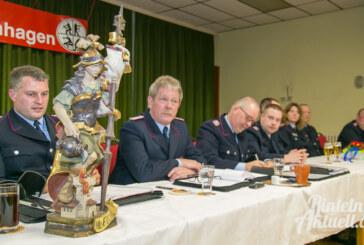 Sankt Florian ist schon da: Feuerwehr Krankenhagen begrüßt Schutzpatron für neues Hauptquartier