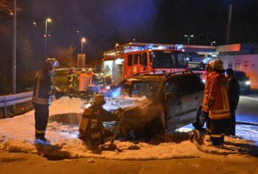 A2: Auto auf Raststätte Auetal in Brand geraten