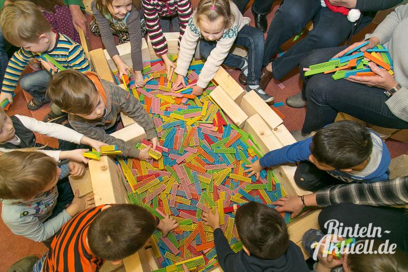 02 rintelnaktuell comenius kindergarten kneippverein spende bausteine spielzeug