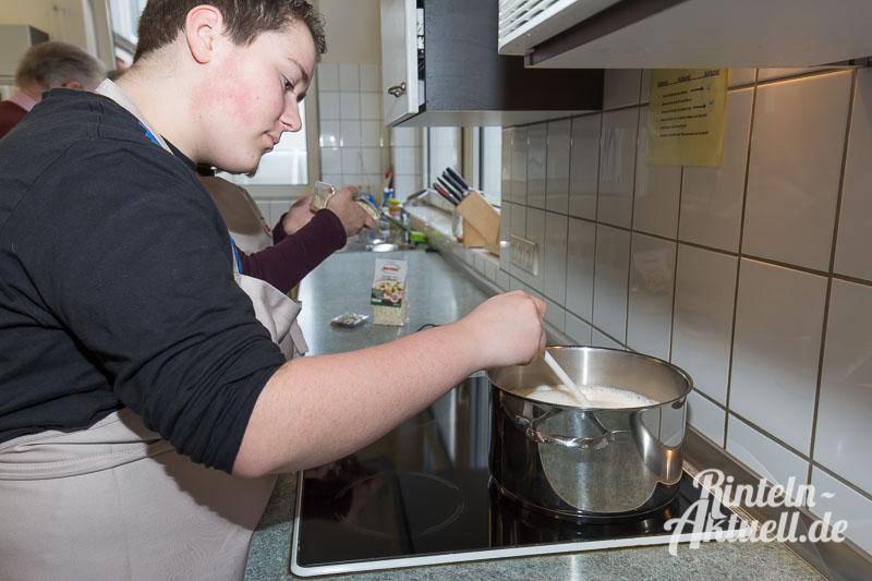 02 rintelnaktuell jung und alt kocht generationen demografie hildburgschule essen projekt