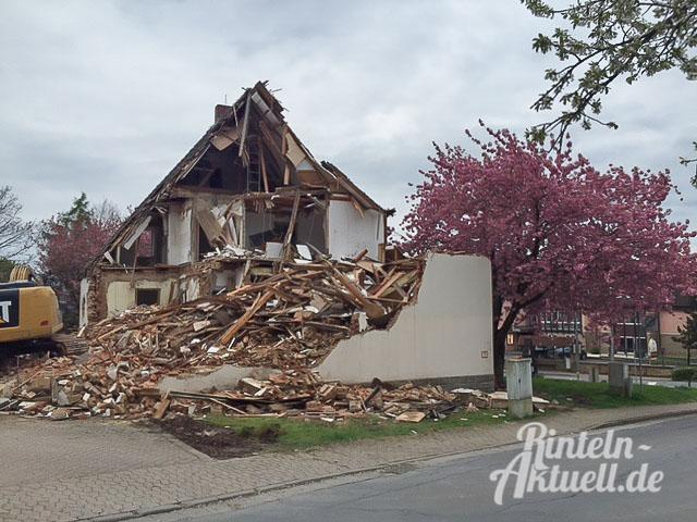02 rintelnaktuell abriss todenmann schule neubau feuerwehrgeraetehaus