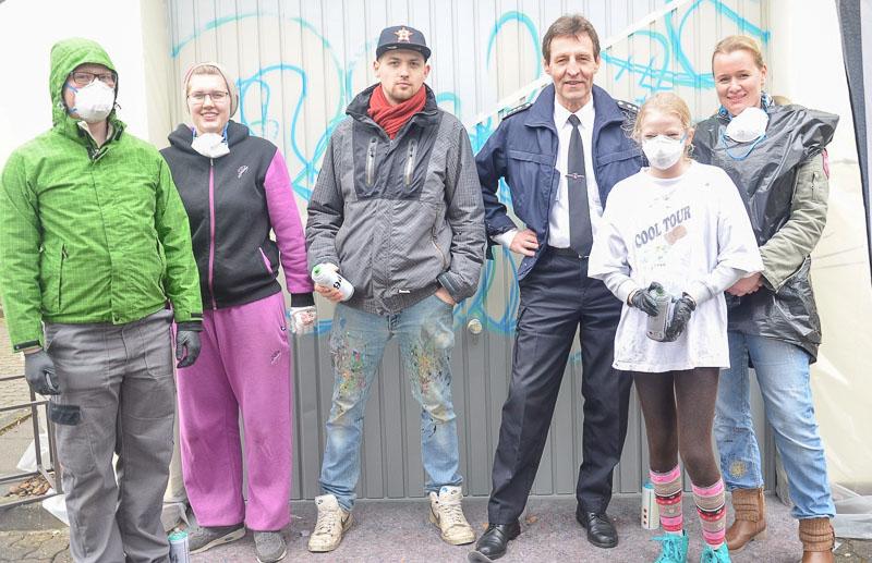 02 rintelnaktuell osterferienspassaktion graffiti polizei sprayen tags