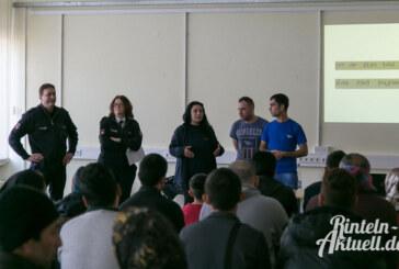 Rintelner Polizei bei Präventionsveranstaltung in der Prince Rupert School