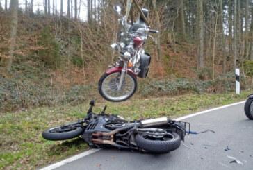 Motorradunfall bei Wennenkamp: Zwei Verletzte in Klinik