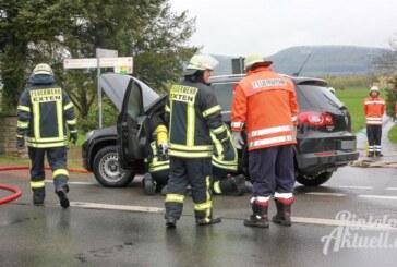 Feuerwehren im Einsatz: Plötzlicher Qualm im VW Tiguan