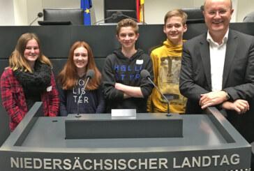 Schaumburger Schülerinnen und Schüler waren Landtagsabgeordnete für einen Tag