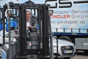 Bundestagsabgeordneter Maik Beermann zu Besuch bei Gabelstapler-Vertrieb in Rinteln