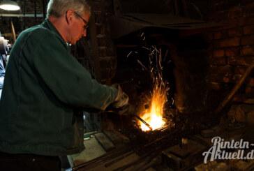 Exten: Im Eisenhammer wird geschmiedet, solange es heiß ist