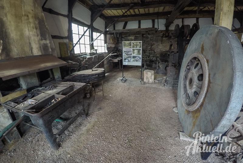 16 rintelnaktuell exten industriemuseum oberer unterer eisenhammer schmiede wassermuehle schmiede metall denkmal deutscher muehlentag 2016