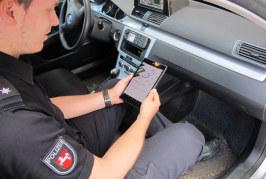 Polizei Rinteln, Bückeburg und Nienburg mit Tablet-PCs in Streifenwagen