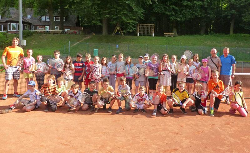 01-rintelnaktuell-tennisverein-rot-weiss-grundschulen